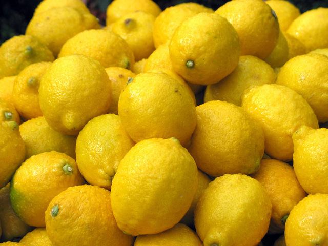 lemons-1474248-640x480